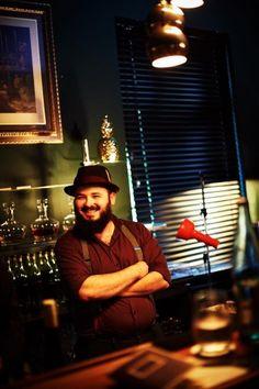 Viele Freunde geben Ihr Geld hauptsächlich an der Bar aus. Heisst ja nicht umsonst #BARGELD 😂😝😂 Hast Du auch so einen Freund? markiere ihn einfach 🤗 Güsse aus der Z Bar Offenburg 💜💤 Wochenende wieder bis 5 Uhr für euch geöffnet....