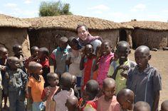 POR TIERRA POR LA TIERRA: Los Masai  Me with the kids  http://portierraporlatierra.blogspot.com.ar/2013/06/los-masai.html