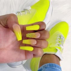 Want some ideas for wedding nail polish designs? This article is a collection of our favorite nail polish designs for your special day. Neon Yellow Nails, Neon Acrylic Nails, Yellow Nail Art, Neon Nails, My Nails, Uñas Color Neon, Neon Nail Designs, Wedding Nail Polish, Nagel Gel