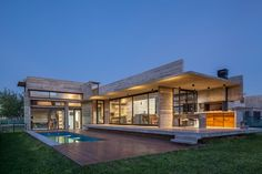 Image 17 of 24 from gallery of Berazategui House / Besonías Almeida Arquitectos. Photograph by Federico Kulekdjian Concrete Houses, Concrete Patio, Style At Home, Planes, Modern Mansion, Interior Garden, Modular Homes, House Made, Pool Houses