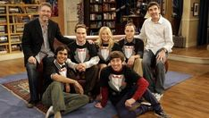 A gallery of The Big Bang Theory publicity stills and other photos. Featuring Jim Parsons, Johnny Galecki, Kaley Cuoco, Simon Helberg and others. Big Bang Theory Set, The Big Theory, Leonard Hofstadter, Penny And Sheldon, Sheldon Leonard, Chuck Lorre, Johnny Galecki, Daddy's Home, Jim Parsons