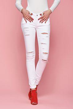 Comanda online, Blugi Top Secret Ageless White. Articole masurate, calitate garantata! Top Secret, Look Fashion, Special Events, White Jeans, Casual, Pants, Tops, Trousers, Shell Tops
