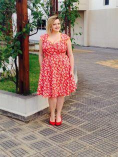 Blog Mulherão - Look do Dia: Vestido evasê estampado. Por Renata Poskus Vaz. Vestido pin up plus size 3