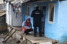 Echipe ale E.ON Moldova Distribuţie, sprijinite de efective ale Inspectoratului de Jandarmi Judeţean Bacău, au acţionat în municipiul Moineşti pentru depistarea situaţiilor de consum fraudulos de energie electrică.    În urma controlului au fost realizate opt note de constatare pentru sustragere de energie eletrică, urmând ca Poliţia să continue cercetările în aceste cauze. Totodată, au fost dezafectate instalaţiile improvizate racordate la sistemul de distribuţie a energiei electrice.