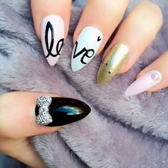 Are you brave enough to try stiletto nails? They are all the rage at the moment. Here are 21 totally sexy looks for you to try this season!