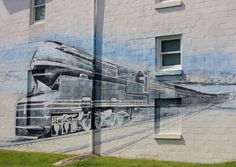 Round The Bend: Midweek Blues: Train Mural