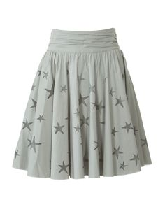 Jupe patron gratuit Burda Fashion free skirt pattern stars are so cute! Burda Fashion, Fashion Sewing, Diy Fashion, Fashion Outfits, Skirt Fashion, Fashion Ideas, Skirt Patterns Sewing, Sewing Patterns Free, Free Sewing