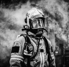 Firefighter Apparel, Firefighter Love, Volunteer Firefighter, Draw On Photos, Cool Photos, Firefighter Pictures, Fire Fighters, Firemen, Firefighting