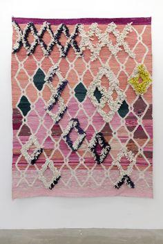 Rugs – Home Decor : // Yann Gerstberger -Read More – - Art Fibres Textiles, Textile Fiber Art, Textile Fabrics, Textile Patterns, Home Textile, Print Patterns, Style Deco, Fabric Manipulation, Colors