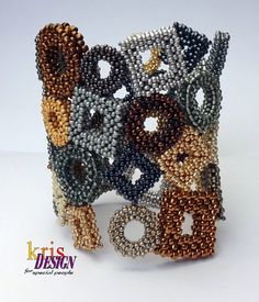 PICTURES At An EXHIBITION cuff