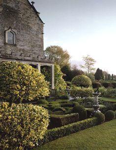 Barnsley House and Knot Garden