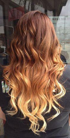 Ombré on wavy hair. From bottom to top, blonde to auburnish red color. //  Tie and dye sur cheveux souples. Du bas vers le haut : du blond au chatain roux.