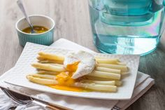 Comment préparer des asperges blanches et ses oeufs pochés ? - 9 photos
