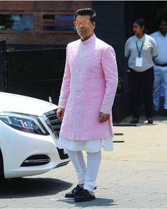 Indian men fashion – Wedding sherwani – Indian wedding outfits – We… Sherwani For Men Wedding, Wedding Dresses Men Indian, Sherwani Groom, Wedding Dress Men, Indian Wedding Wear, Wedding Suits, Mens Shalwar Kameez, Kurta Men, Mens Kurta Designs