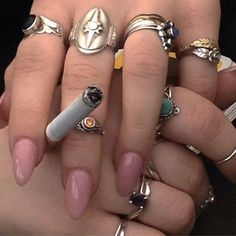 Cute Jewelry, Jewelry Accessories, Piercings, Def Not, Nail Inspo, Little Things, Retro, Aesthetic Pictures, Jewelery