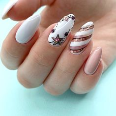 Nail art Christmas - the festive spirit on the nails. Over 70 creative ideas and tutorials - My Nails Xmas Nails, Holiday Nails, Christmas Nails, Green Christmas, Simple Christmas, Acrylic Nail Designs, Nail Art Designs, Nails Design, Trendy Nails