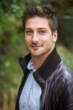 How can one person be so good-looking?! He has the hair, the eyes, the smile, the chin, he's tall, he sings, AND he has an accent!! My new Celebrity Crush… Daniel Lissing - When Calls the Heart