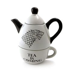 Game of Thrones Tea for One Set ~ $36 ~ Geeky Gifts! http://amzn.to/2pO11gK