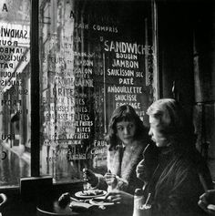 "vintage everyday: ""Love on the Left Bank"" - Black and White Photos of Bohemian Life in Paris in 1950"