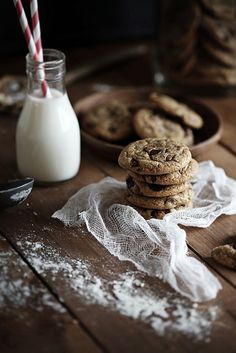 Milk & cookies by Call me cupcake, via Flickr. And it's in Swedish too, that's just perfect!