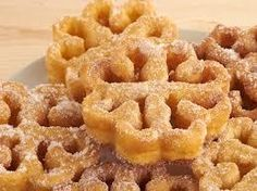 """""""Floretas"""" are a typical dessert in Christmas in the south of Spain. (in Spanish) Tapas Recipes, Donut Recipes, Mexican Food Recipes, Sweet Recipes, Dessert Recipes, Recipies, Spanish Desserts, Spanish Dishes, Spanish Cuisine"""