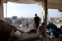 Aug 18, 2014 ROBERTO SCHMIDT/AGENCE FRANCE-PRESSE — GETTY IMAGES The remains of an apartment in the northern neighborhood of Al Shaas. An estimated 11,000 homes were destroyed in Gaza.  In Torn Gaza, if Roof Stands, It's Now Home - NYTimes.com