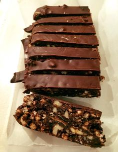 Another day, another chocolate craving – Good thing we have this INCREDIBLE Healthy Hedgehog Slice recipe from Jodie Koeleman to see us through! This slice is moist, indulgent and choc full of goodness. The only sweetener is natural honey (no nasty added sugar here). With nuts and dates galore and only 150 calories per serve – this …