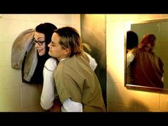 OITNB 5x01 piper and alex smell my fingers - YouTube