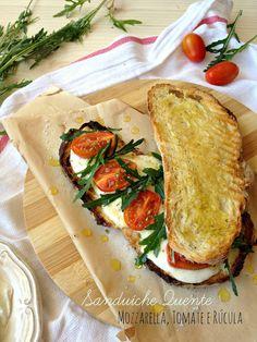 basta cheio: Sanduíche Quente de Mozzarella, Tomate e Rúcula