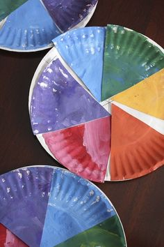 Colour Wheel Craft for kids. A great activity for exploring colour and colour mixing. - http://happyhooligans.ca