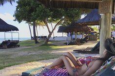 Viagens, blog, praia, biquini, neon midnight