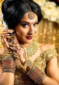 Ethnic Jewelry, Indian Jewelry, Jewellery, Beautiful Indian Actress, Beautiful Bride, Indian Culture And Tradition, Arabian Beauty, Glamorous Makeup, Bridal Makeup