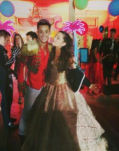Ariana Grande and her bro Frankie Frankie Grande, Emma Ross, Brother And Sister Love, Bae, Ariana Grande Pictures, Cat Valentine, Big Sean, Celebs, Celebrities