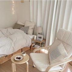 Korean Bedroom Ideas, Room Ideas Bedroom, Small Room Bedroom, Bedroom Decor, Bedroom Simple, Apartment Interior, Room Interior, Studio Apartment, Korean House