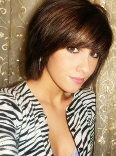 20 Chic Short Hairstyles for Fine Straight Hair in 2018 , Looking for the chic short haircuts for fine hairs for inspiration? Here, you will find 20 Chic Short Hairstyles for Fine Straight Hair that you wil. Short Hair With Bangs, Short Straight Hair, Short Hair Cuts, Short Hair Styles, Thick Hair, Wavy Hair, A Line Bob With Bangs, Hair Shag, Thick Bangs