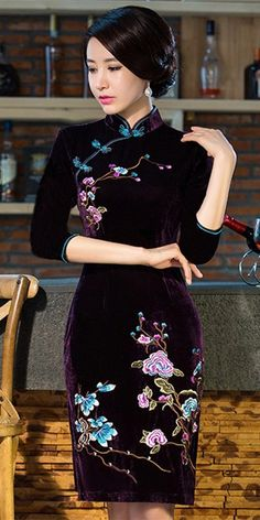 Black velvet embroidered floral qipao short Chinese cheongsam dress – Modern Q. - - Black velvet embroidered floral qipao short Chinese cheongsam dress – Modern Qipao 2019 New Collection Models Ladies-Receive New and Up-to-Date News F. Oriental Dress, Oriental Fashion, Asian Fashion, Chinese Dress Cheongsam, Chinese Dresses, Cheongsam Modern, Long Mermaid Dress, Traditional Dresses, Chinese Dress Traditional