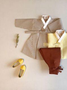 BOY - 아보한복 Korean Traditional, Traditional Dresses, Toddler Fashion, Kids Fashion, Womens Fashion, Korean Outfits, Kids Outfits, Korean Hanbok, Batik Fashion