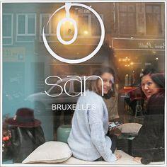 Ououuuuuuh le petit restaurant qui sort de l'ordinaire! Ça change et ça fait du bien aux papilles, voici «San» un délicieux endroit qu'il fait bon connaître.  Le lieu est idéalement situé, en plein coeur de Bruxelles et pas trop loin de la Grande Place. La déco est parfaitement bien …
