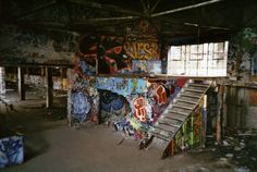 """The Abandoned Geo. W. Reed & Co. factory a.k.a. """"Graffiti Factory"""" - Lomography"""
