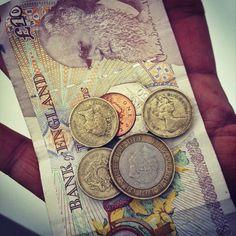79. Monedas y billetes
