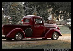 Old trucks - dig those fenders!