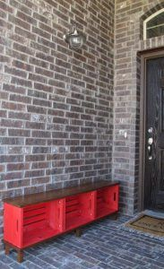 Hometalk :: DIY Crate Bench Love this BENCH & with storage also. Easy Great for entry + put shoes in crates ♥ Diy Bank, Crate Bench, Wood Crate Shelves, Tv Bench, Shoe Bench, Room Shelves, Making A Bench, Crate Storage, Storage Ideas