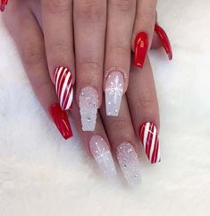 Beautiful glitter, candy cane, snowflake and red Christmas nails! # Christmas nails # Related posts: The cutest and festive Christmas nail designs … Chistmas Nails, Cute Christmas Nails, Christmas Nail Art Designs, Xmas Nails, Holiday Nails, Christmas 2019, Christmas Acrylic Nails, Winter Acrylic Nails, Red Glitter Nails