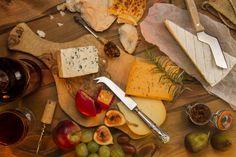 Descubra o vinho ideal para harmonizar com cada tipo de queijo