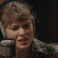 Taylor Swift Fan Club, Taylor Swift Quotes, Red Taylor, Taylor Alison Swift, Taylor Swift Playlist, Taylor Swift Music Videos, Lavender Aesthetic, Swift 3, Album Of The Year