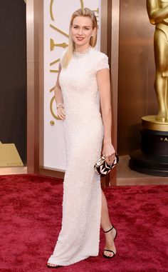 Naomi Watts looks wonderful in white in Calvin Klein Collection. Fabulous!