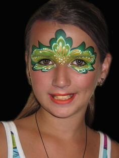 pretty green face painting, great for St. Patrick's Day