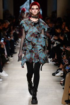 See the complete Junya Watanabe Fall 2017 Ready-to-Wear collection.