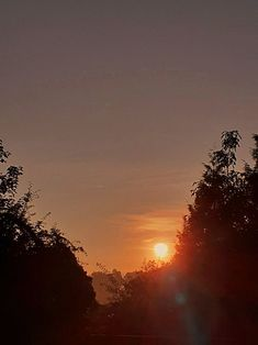 Celestial, Sunset, Outdoor, Sunrise, Outdoors, Sunsets, Outdoor Games, The Great Outdoors, The Sunset