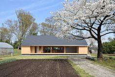 House in Atsugi by Masashi Kikkawa + Hisashi Ikeda - Japan